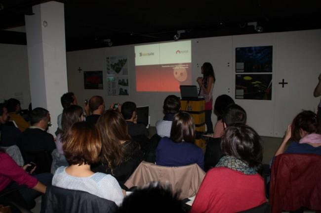 Marta Hita de Elogia en un momento de su presentación